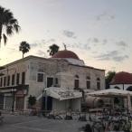 De minaret van de Ottomaanse moskee is ingestort