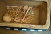 In een grafkist werd een skelet gevonden