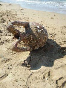 De amfora op het Arina-strand