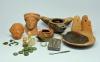 Een selectie van voorwerpen die bij opgravingen werden gevonden