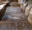 Een mozaïek met een afbeelding van de godin Aphrodite in metrostation Agia Sofia