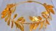 In 2013 werd een gouden krans in de vorm van een gevlochten olijftak (eind 4de - begin 3de eeuw) gevonden bij graafwerkzaamheden in station Syntrivani