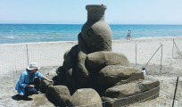 De sculpturen zijn tot wel 3 meter hoog / Foto: Pella Lasithiotakis