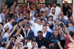 ND-leider Kyrikaos Mitsotakis viert de overwinning