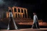 Modeshow Mary Katrantzou bij de tempel van Poseidon