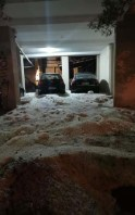 Er bleef een laag hagelstenen achter die op sommige plaatsen wel 30 tot 40 centimeter dik was